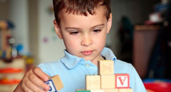 https://inkluzia.com.ua/content/uploads/images/autism_0.jpg